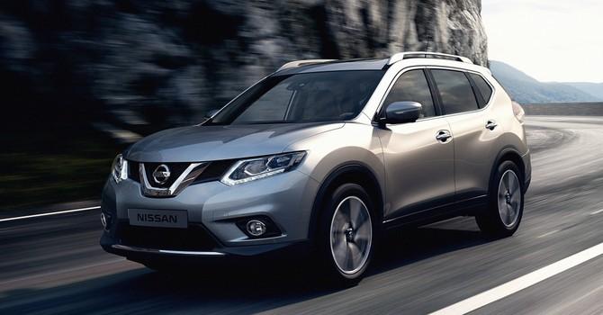 """Nissan ra mắt X-Trail """"hàng nội"""" đối đầu cùng Mazda CX-5"""
