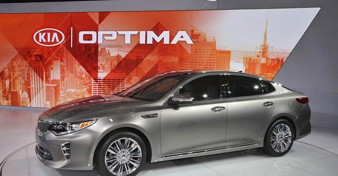 Kia Optima 2016 giá gần 1 tỷ đồng liệu có đắt?