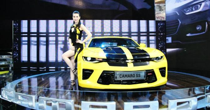 """""""Soi giá"""" dàn xe sang xuất hiện tại triển lãm ô tô Việt Nam 2016"""