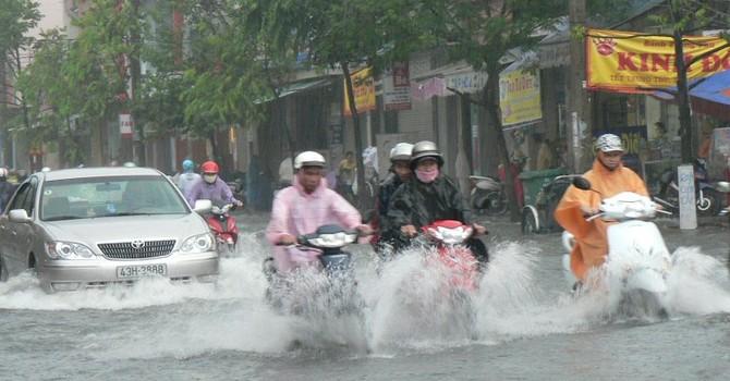 Hà Nội mưa lạnh, miền Trung mưa lớn đề phòng lũ quét, sạt lở đất