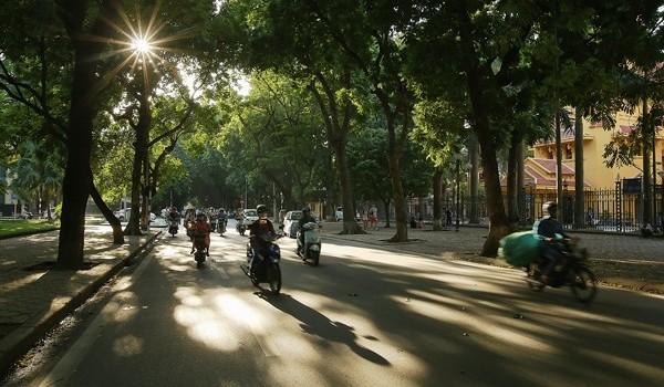 Thời tiết hôm nay 18/10, Hà Nội ngày nắng, chiều tối và đêm mưa to