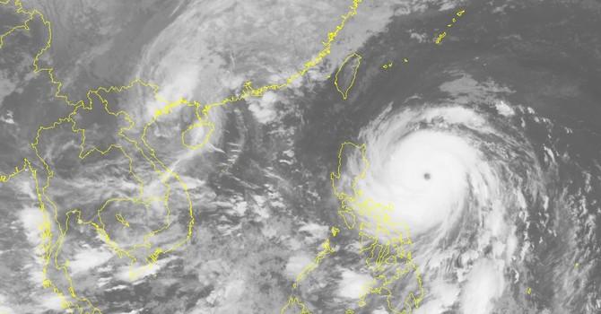 Cơn bão số 7 sắp đổ bộ, siêu bão Haima đang đổi hướng