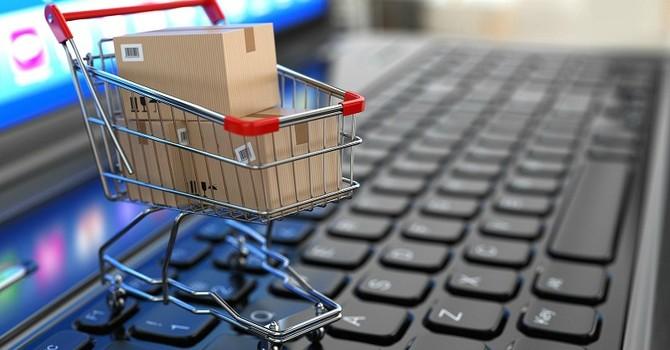 """Thương mại điện tử 2016: Năm nhượng quyền của các """"đại gia"""" ngoại"""
