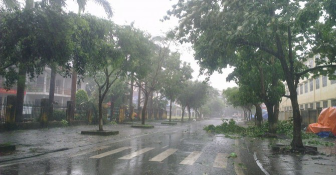 Thời tiết hôm nay 17/6: Bắc Bộ đề phòng mưa dông, tố, lốc