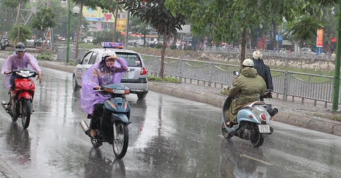 Cảnh báo mưa lớn trên diện rộng tại các tỉnh phía Bắc, Nam Bộ và Tây Nguyên