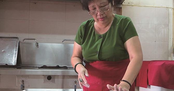 Bánh trung thu truyền thống Hà Nội chốt đơn hàng sớm