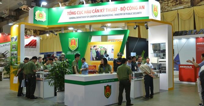 Dàn tên lửa, khí tài phòng vệ tại triển lãm an ninh ở Hà Nội