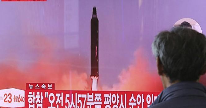 """Ông Kim gọi vụ phóng tên lửa là """"khúc dạo đầu"""" kiềm chế đảo Guam"""