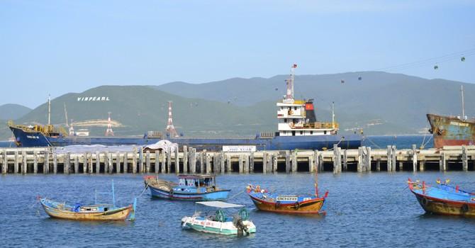 Doanh nghiệp 24h: Vinpearl sắp sở hữu 13,5 triệu cổ phần Cảng Nha Trang