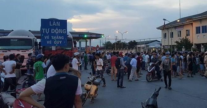Địa ốc 24h: Trạm BOT trên QL5 bị ùn tắc nghiêm trọng, người dân lại dùng tiền lẻ trả phí