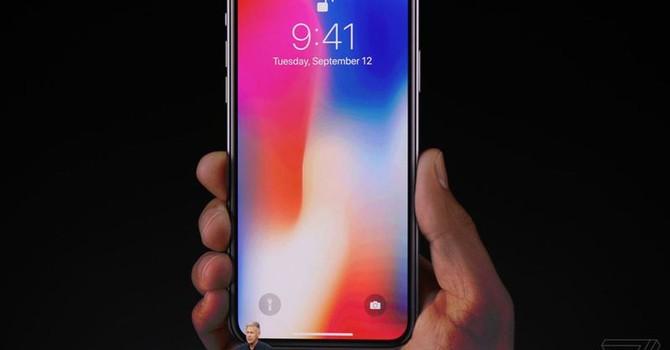 Apple đang định nghĩa lại giá smartphone cao cấp