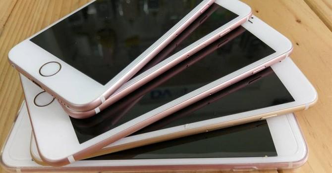 """iPhone 8 """"kém hấp dẫn"""" khiến các mẫu iPhone đời cũ bất ngờ giữ giá"""