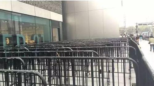 Người Trung Quốc không thèm xếp hàng mua iPhone 8