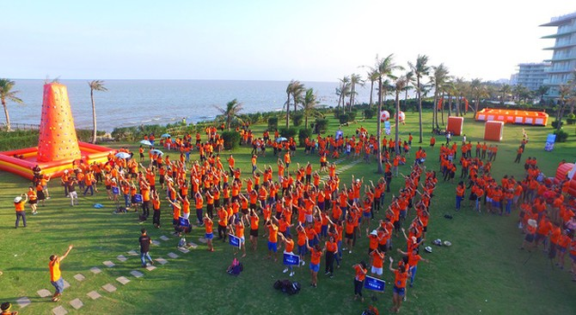 Hơn 1.000 cựu sinh viên Khóa 20 Đại học luật Hà Nội hội ngộ tại FLC Sầm Sơn
