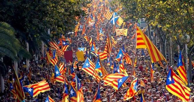 """Ngày càng nhiều công ty muốn rời khỏi """"xứ giàu"""" Catalonia"""