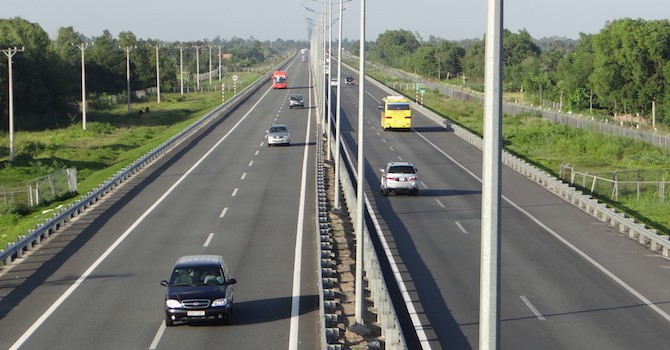 Địa ốc 24h: Làm cao tốc Bắc - Nam, đổi đất làm Đại lộ ven sông, các nhà đầu tư lãi khủng?