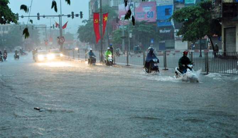 Lũ ở Hội An cao kỷ lục bằng mức nước lũ lịch sử năm 2007, nhiều khu vực vẫn mưa dông