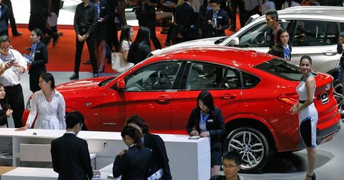 """Thị trường """"im lìm"""", doanh số ô tô tụt dốc không phanh trong tháng 2/2018"""