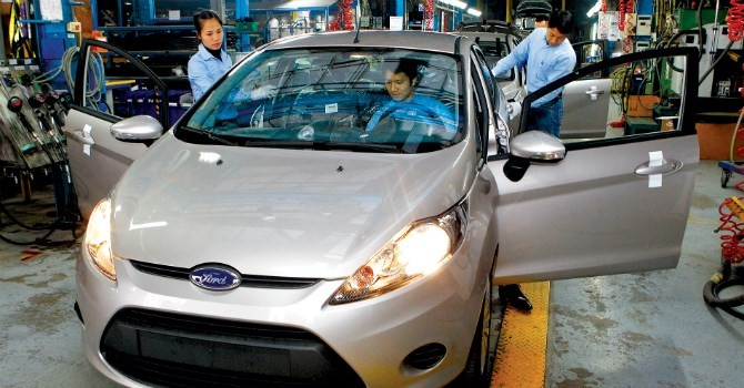 """Công nghiệp ô tô: """"Sản xuất ưu đãi mãi thì tốt nhất đừng làm"""""""
