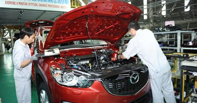 """""""Đánh"""" thuế tiêu thụ đặc biệt ô tô ngoại, bảo vệ doanh nghiệp lắp ráp"""