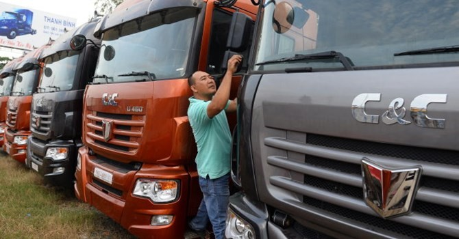 Ô tô Trung Quốc ồ ạt vào Việt Nam, nhà sản xuất trong nước nói gì?