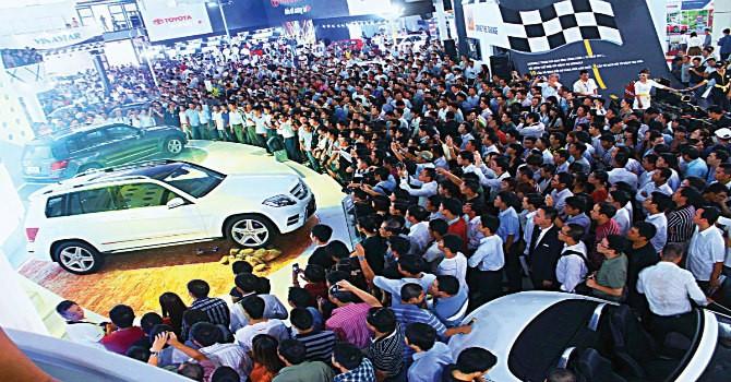 Đổi cách tính thuế ô tô: Giá bán liệu có tăng?