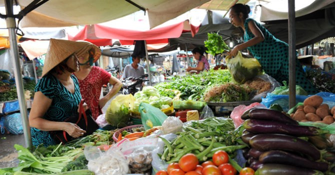 Thị trường 24h: Rau Trung Quốc tràn ngập thị trường