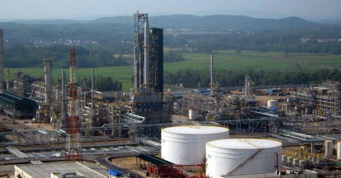 Đàm phán mua cổ phần nhà máy Dung Quất của Gazprom bị kéo dài vì các khoản nợ