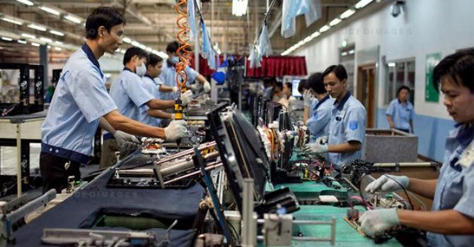 Thị trường 24h: Ngành điện tử soán ngôi Singapore hay nhường lối cho Lào, Campuchia?
