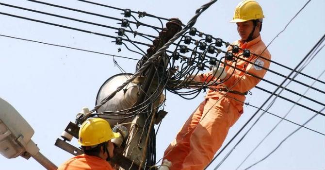 Thị trường 24h: Vì sao Việt Nam dùng càng nhiều điện càng đắt?