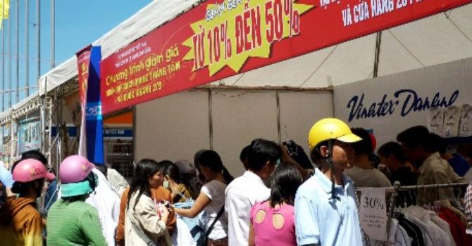 Thị trường 24h: Hội chợ xúc tiến… hàng nhập lậu?