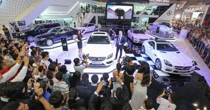 Thị trường tuần qua: Thị trường ô tô Việt, một mình một kiểu giữa châu Á