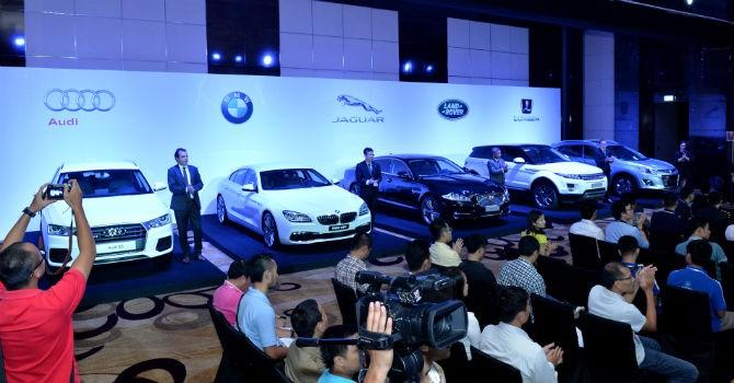 Đua nhau triển lãm ô tô, các nhà nhập khẩu Audi, BMW, Renault nói gì?