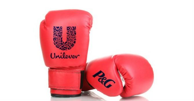 Thị trường tuần qua: Cuộc chiến P&G - Unilever, kẻ thu hẹp người mở rộng
