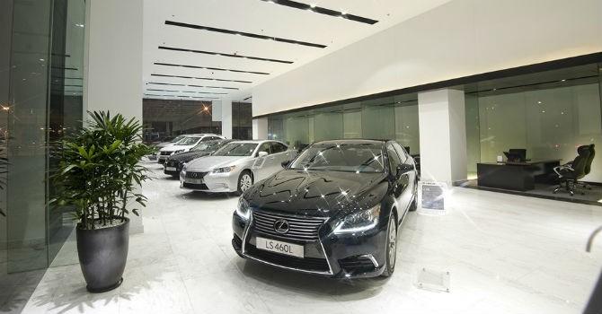 """Thị trường tuần qua: Người Việt """"ngán"""" Lexus, vỡ mộng ô tô giảm giá"""