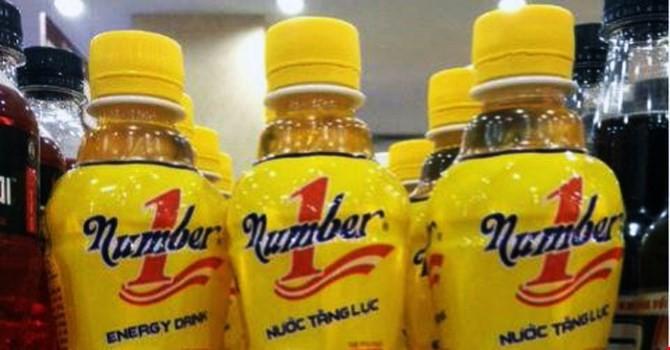 """Thị trường 24h: Vụ con ruồi trong chai nước, có hay không """"cạnh tranh không lành mạnh""""?"""