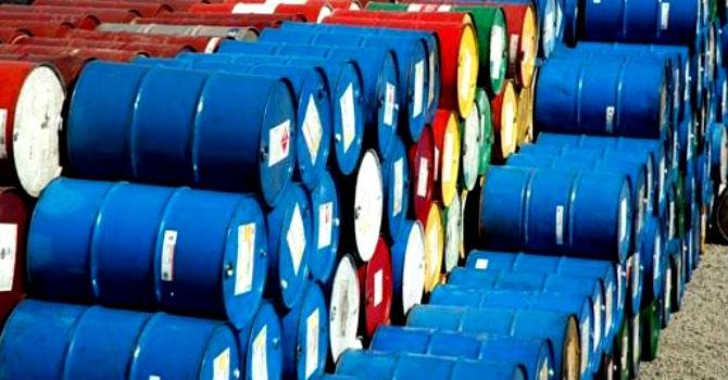 Ngân sách chi trả nợ nhiều gấp 5 lần thu từ dầu thô