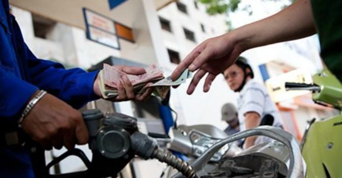 Giữ nguyên giá bán lẻ xăng, dầu