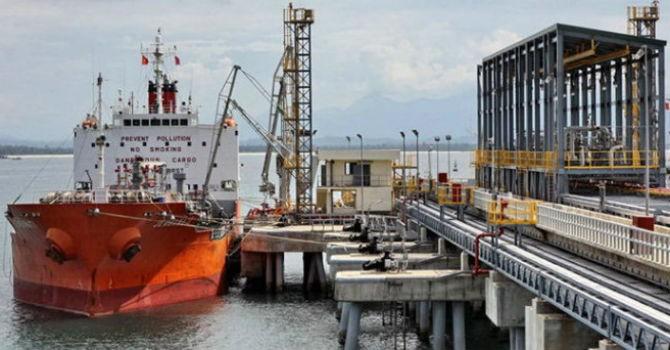 """Âm thầm """"móc"""" hàng trăm tỷ đồng của dân, hôm nay thuế nhập khẩu dầu mới giảm nhẹ"""
