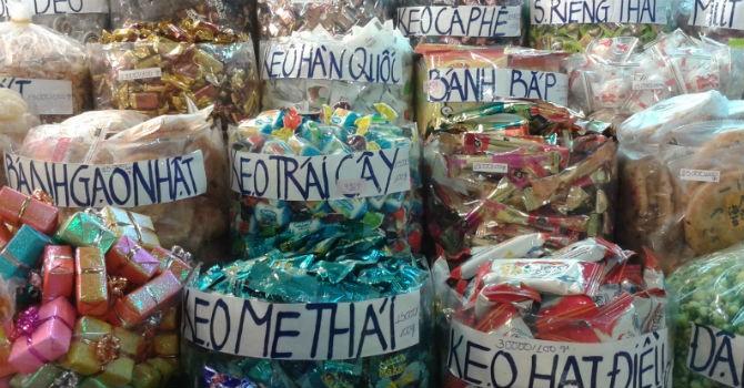 Thị trường 24h: Bánh kẹo cho trẻ bẩn, độc khôn lường