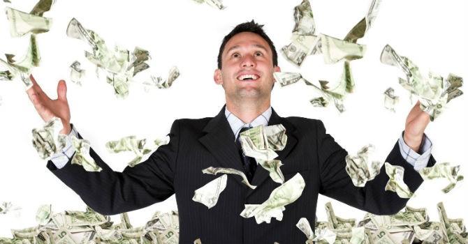 Lãnh đạo cấp cao ngành ngân hàng và dịch vụ có mức lương cao nhất