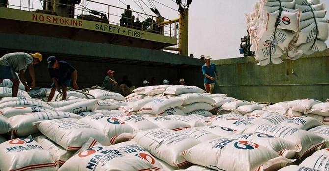 Thái Lan xả hơn 11 triệu tấn gạo, xuất khẩu gạo Việt gặp khó?