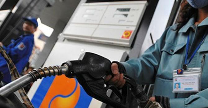 Sau khi tăng hơn 640 đồng/lít, giá xăng có thể sẽ tăng tiếp?