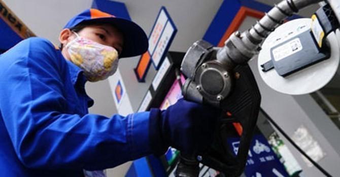 Giá xăng có thể tăng lần thứ 5 trong năm?