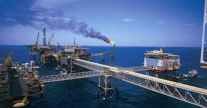 """Thu ngân sách từ dầu thô, xuất nhập khẩu """"hụt hơi"""""""