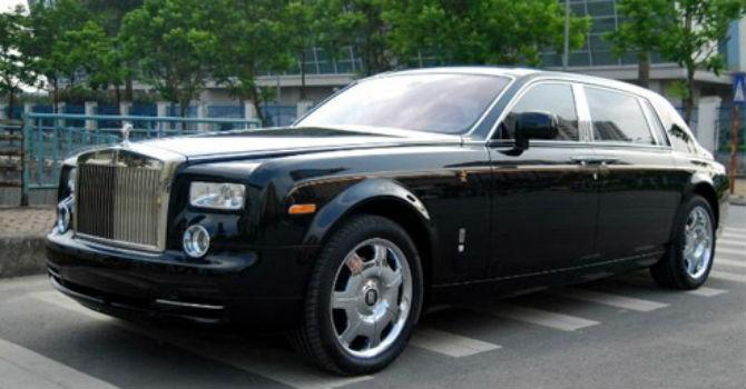 """Thị trường 24h: """"Ma trận"""" giá ô tô Việt, bán một chiếc Rolls-Royce lãi 12 xe Camry"""