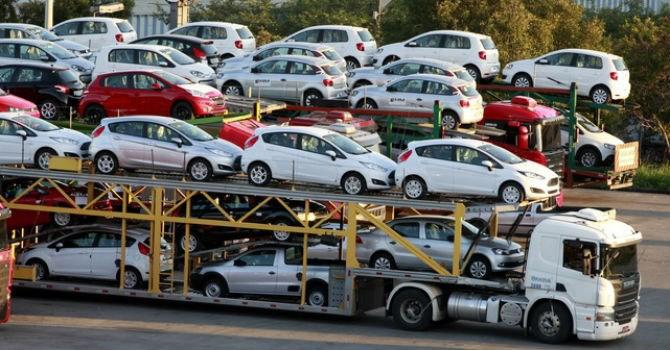 """""""Trói chặt"""" hơn quy định nhập khẩu ô tô?"""