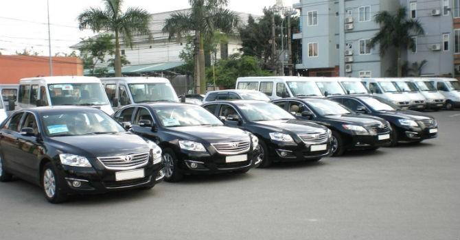 Bộ Tài chính khoán xe công theo giá taxi