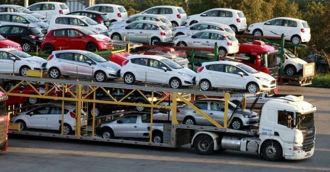 Thị trường 24h: Ô tô nguyên chiếc về Việt Nam giảm mạnh