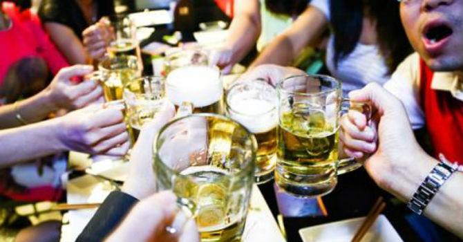 Gần 3,8 tỷ lít bia được tiêu thụ trong năm 2016